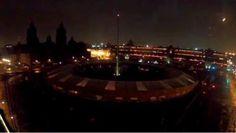 [VIDEO] Posible meteorito ilumina monumentos y plazas en México...