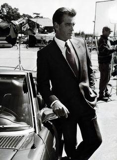 Pierce Brosnan. Bond, James Bond.