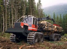 Porteur forestier - 7 258 - 14 525 kg , 93 - 127 kW - Prentice Logging Equipment, Heavy Equipment, Lumberjack Style, Timber Logs, Hors Route, Agriculture Farming, Heavy Machinery, Heavy Truck, Classic Trucks