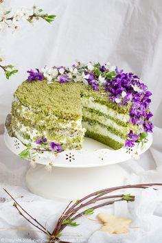 tort-fiołkowo-herbaciany