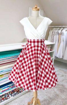 Šaty Margaret s károvanou sukní a kapsami
