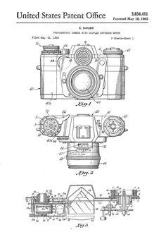 Un cartel de impresión patente de una cámara fotográfica de Zeiss con juntado Selenio-Metro de la exposición inventado por Edgar Sauer de Zeiss.
