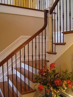 Best Totally Free Wrought Iron spindles Strategies Dwelling beautifying having wrought iron will be as powerful these days as the wrought iron steel itself. Staircase Spindles, Interior Stair Railing, Wrought Iron Staircase, Wrought Iron Stair Railing, Iron Balusters, Staircase Railings, Railing Design, Staircase Design, Stairs Without Spindles