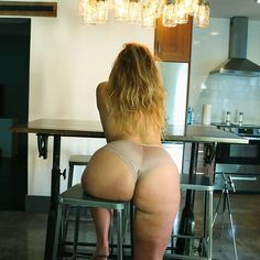 Seat for one🍑 I've rearranged my patreon a little bit so that my naughty photo tiers include some video clips now too! Come over and check them out😘, or just enjoy the view!😉 #booty🍑 #thickwomen #inthekitchen #bbw