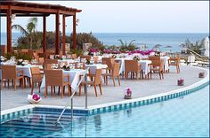 The Practical Wedding Blog: Poolside Weddings - I Love Them
