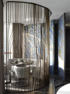 Room Decor Ideas shows you the best Lobby Designs by Yabu Pushelberg to Copy for your Home Interiors to achieve a luxury interior design at room decoration. Lobby Design, Design Entrée, Flur Design, Wall Design, Partition Screen, Room Divider Screen, Partition Design, Partition Ideas, Partition Walls