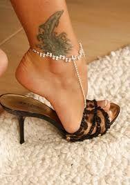 Resultado de imagem para pantyhose feet heels