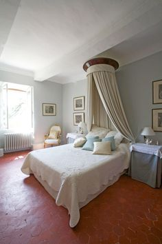 Beautiful French Country House In Provence. Come Tour Provence Villa  St Saturnin: Timeless