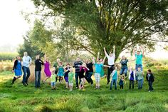 Family Photography   Photographing a Large Family - @angiearthur 's family captured by Jessica Paige from One Willow