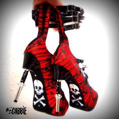 Springmesser Messer! Rot Glitter Plattform Heels - Spikes, Schädel und Knochen, Rocker Style - Custom Painted - einzigartig! von GabbieCustomArt auf Etsy https://www.etsy.com/de/listing/216461611/springmesser-messer-rot-glitter