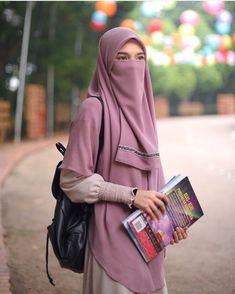 Hijabi Girl, Girl Hijab, Hijab Outfit, Niqab Fashion, Muslim Fashion, Fashion Outfits, Beautiful Muslim Women, Beautiful Hijab, Hijab Fashion Inspiration