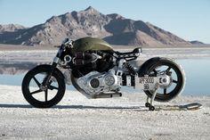 confederate-motorcycles-x132-hellcat-combat-large.jpg (1280×853)