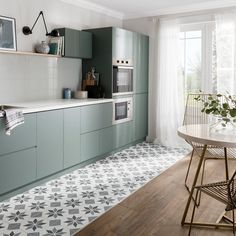 Kitchen trends 2019 – stunning and surprising kitchen design trends and ideas for the new year Home Trends design trends 2018 home Green Kitchen Cabinets, Ikea Kitchen, Kitchen Tiles, Kitchen Flooring, Kitchen Furniture, Kitchen Decor, Blue Green Kitchen, Kitchen Units, Kitchen Modern