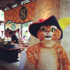 Puss in Boots at the opening of #Summer Fun with Shrek and Friends at @Gaylord Hotels.