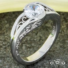 WRAP STYLE WITH FILIGREE AND ENGRAVING
