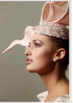 millinery by heather mcdowall. you really do produce some talented humans. this girl is absolutely amazing and super talented. Silly Hats, Western Hats, Millinery Hats, Cocktail Hat, Love Hat, Hat Hairstyles, Race Day, Hat Pins, Fascinators