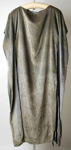Dress Maria Gallenga  (Italian, Rome 1880–1944 Umbria) Date: 1920s Culture: Italian Medium: silk Dimensions: Length at CB: 51 1/4 in. (130.2 cm) Accession Number: 1995.28.5