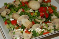 For those who are on a diet and are looking for a rich salad recipe, my Garnish Mushroom Salad recip Chanterelle Mushroom Recipes, Mushroom Salad, Chicken Mushroom Recipes, Pasta Salad Recipes, Snack Recipes, Cooking Recipes, Healthy Recipes, Vegetable Drinks, Vegetable Dishes