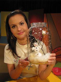 Zima v láhvi Christmas Shows, Christmas Time, Christmas Bulbs, Christmas Crafts, Christmas Decorations, Art For Kids, Crafts For Kids, Egg Carton Crafts, Oil Candles