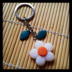 #polymerclay #flower #keychain - portachiavi a forma di fiore in #fimo