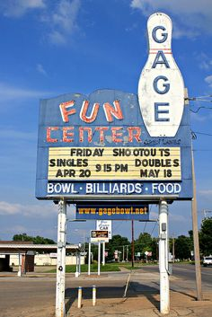 Gage Bowl, 4200 S.W. Huntoon St., Topeka, KS by Mike Garofalo (Vintage Roadtrip) via Flickr