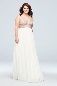 A beaded bodice with a plunging V-neckline make this plus-size dress truly wow-worthy, while adjustable spaghetti straps ensure a comfortable, customizable fit. Finished with a flowy chiffon A-line sk Prom Dresses Long Open Back, Gold Prom Dresses, High Low Prom Dresses, Lace Party Dresses, A Line Prom Dresses, Event Dresses, Cheap Prom Dresses, Beaded Dresses, Grad Dresses
