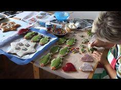 1 video Jak si připravit polevu na zdobení a způsoby zdobení - YouTube