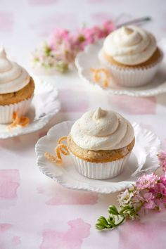 Recipe for Lady Grey cupcakes with orange zest frosting.