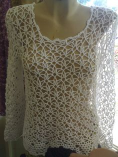 I know this is crochet (and I don't crochet); to find a knitted pattern . I know this is crochet (and I don't crochet); to find a knitted pattern to make it would T-shirt Au Crochet, Beau Crochet, Pull Crochet, Mode Crochet, Crochet Shirt, Crochet Jacket, Crochet Woman, Crochet Crafts, Crochet Stitches