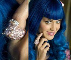 Katy Perry wearing nOir Jewelry  (Holly the Hippo Hippopotamus ring)  #noirjewelry #myfavoritetrends #celebrities