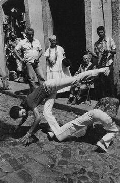 Fighting Poses, Art Of Fighting, Taekwondo, Tai Chi, Brazilian Martial Arts, Dynamic Poses, Brazilian Jiu Jitsu, Pose Reference, Muay Thai
