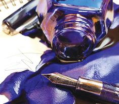 Take in all these ink pointers into consideration in your next sketch. Plus pen and ink techniques for beginners on usage, storage and more. Painting Lessons, Diy Painting, Doodle Drawings, Cute Drawings, Pen And Wash, Beginner Art, Smart Art, Pen Sketch, Alcohol Ink Art
