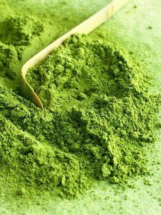 Greenery, Pantone sembra quasi un verde matcha Coral Pantone, Pantone Color, Go Green, Green Colors, Green Fruit, Green Girl, Verde Greenery, Palette Verte, Pale Dogwood