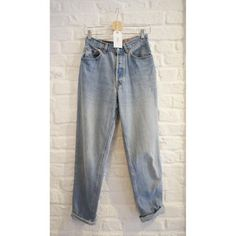 Original 901 Levi's High-Waisted Light Wash Denim Jeans  -Loose fitting throughout the leg   -Button fly  -5 pocket  - W30 L32  Material: 100% Cotton  Measurements: W30 L32  Care instructions: Wash at 60 c  Condition: Good  Estimated UK size: 10 - 12 UK