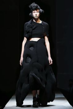Comme des Garcons Ready To Wear Fall Winter 2014 Paris - NOWFASHION