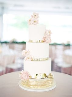 Gold, white and blush wedding cake: Photography: When He Found Her - whenhefoundher.com   Read More on SMP: http://www.stylemepretty.com/2017/03/01//