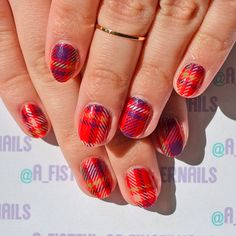 Pretty Houndstooth water decals!>> http://www.ladyqueen.com/scotland-plaid-style-camouflage-color-nail-art-tips-stickers-water-decals-decoration-na0184.html