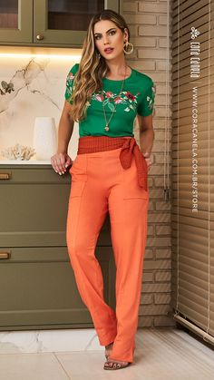 Colored Pants, Ariana Grande, Ideias Fashion, Suits, Zen, Ootd, Woman, Fashion Pants, Classy Outfits