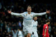 Ronaldo stangs av tre matcher