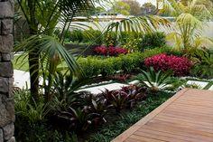 Auckland Garden Design Fest You are in the right place about tropical garden ideas succulents Here w Tropical Garden Design, Tropical Landscaping, Garden Landscape Design, Landscaping With Rocks, Tropical Plants, Backyard Landscaping, Tropical Gardens, Back Gardens, Outdoor Gardens