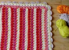 Nifty crochet blanket pattern. I would love to try this in a three color scheme. *Pattern is in German but pictures are pretty easy to understand.