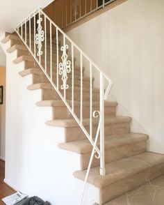 before of the staircase on my last job. #trghomeconcepts #quality #value #efficiency #remodeler #remodeling #carpenter #carpentry #craftsman #interiordesign #custom #renovate #woodwork #construction #finishwork #trimwork #millwork #renovate #woodwork #stairs #stairrail #railings #carpet #cherryhill de trghomeconcepts