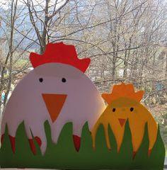 Guck mal, wer da guckt!  Ich mag ihn ja sehr, den Frühling. Die bunten, fröhlichen Farben, das sonnige Wetter und: Ostern! Und was wäre Oste...