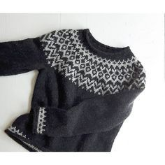Ravelry: Project Gallery for Riddari pattern by Védís Jónsdóttir for Ístex Jumper Patterns, Knitting Patterns, Crochet Patterns, Norwegian Knitting, Icelandic Sweaters, Nordic Sweater, Knit Crochet, Crochet Cats, Crochet Birds