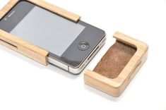 iPhone 4G wooden case PC002 by blackgizmo on Etsy, €29.00