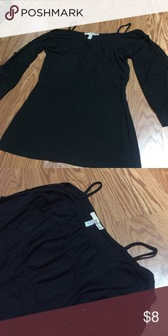 Off the shoulder black top Used•great condition •size medium Tops