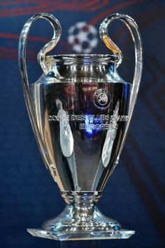 Liverpool Football Club, Liverpool Fc, Liverpool You'll Never Walk Alone, Real Madrid Logo, Football Tattoo, Madrid Wallpaper, We Are The Champions, Fc Porto, Football Kits