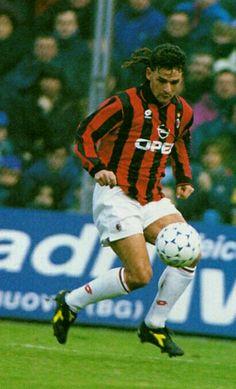 Roberto Baggio of AC Milan in 1995.