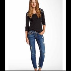 """Seven7 skinny jean I think these are more of a boyfriend cut but are listed as a skinny jean.  Super cute! 31"""" waist, 28"""" length. Seven7 Jeans Boyfriend"""