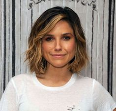 Metallic Balayage - Low Maintenance Hair Color Ideas For Lazy Girls - Livingly Wavy Bob Hairstyles, 2015 Hairstyles, Short Hairstyles For Women, Sophia Bush Hairstyles, Asymmetrical Hairstyles, Classic Hairstyles, Bob Haircuts, Brunette Girls, Brunette Hair